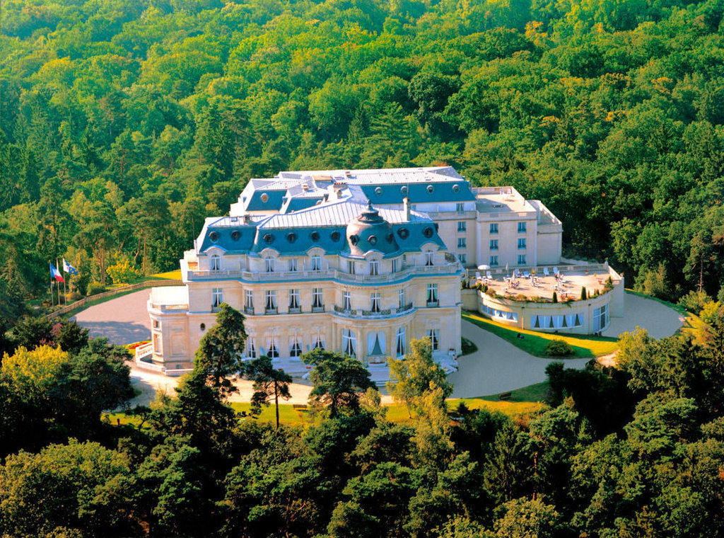 cazare la Tiara Chateau Hotel Mont Royal Chantilly