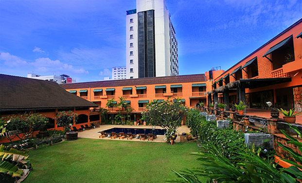 cazare la Holiday Garden Hotel & Resort