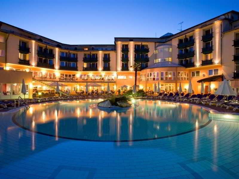 cazare la Lotus Therme Hotel & Spa