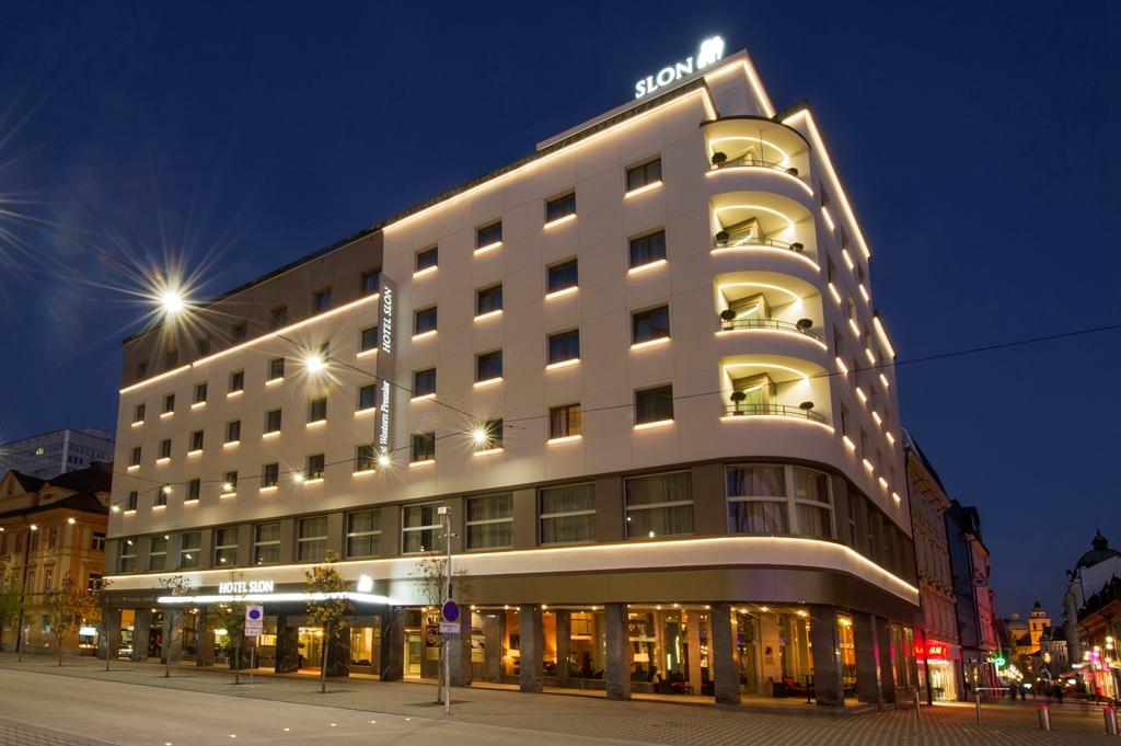 cazare la Best Western Premier Hotel Slon