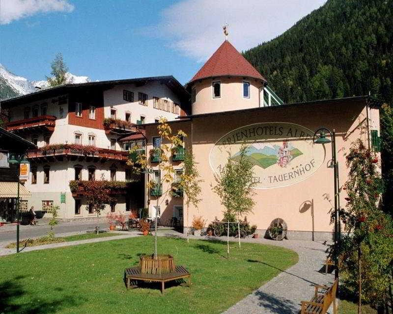 cazare la Ferienhotel Alber