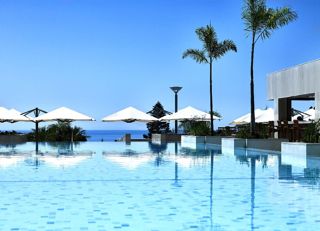 cazare la Four Seasons Beach