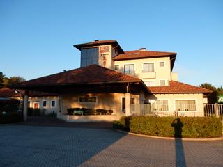 cazare la Raya Hotel Motel