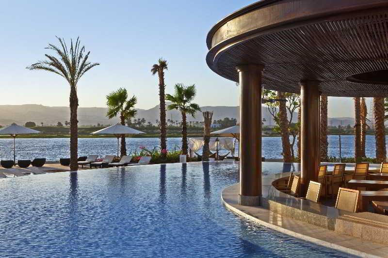 cazare la Hilton Luxor