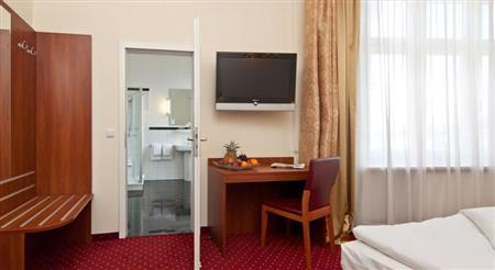 cazare la Hotel Kronprinz Novum