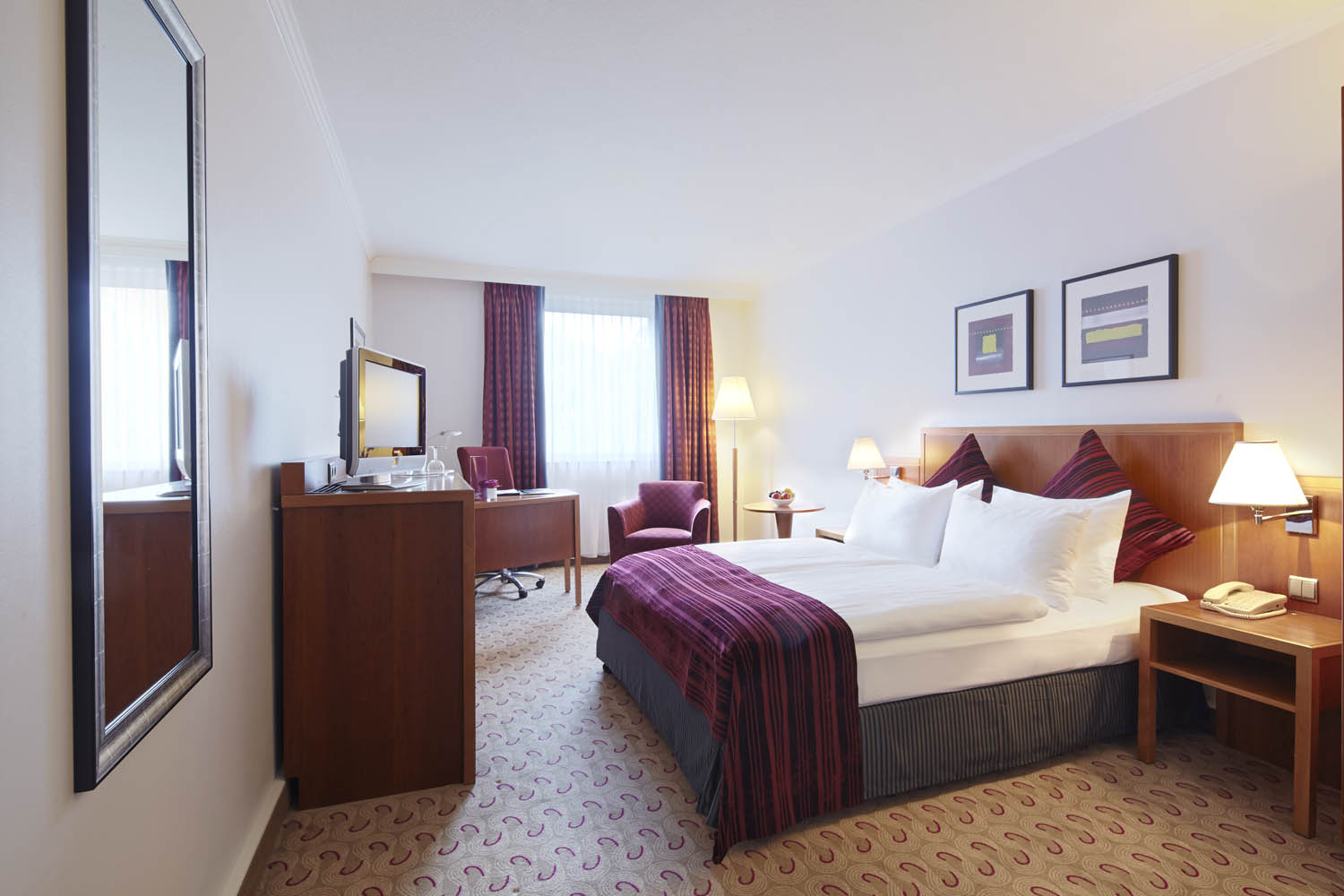 cazare la Crowne Plaza Hamburg - City Alster