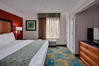 cazare la La Quinta Inn And Suites Usf - Busch Gardens
