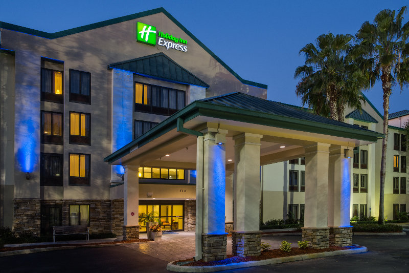 cazare la Holiday Inn Express Brandon Tampa