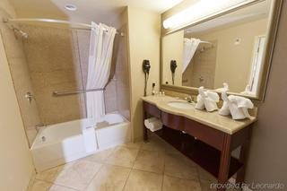cazare la Country Inn & Suites By Radisson, Tampa East, Fl
