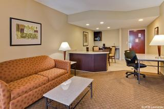 cazare la Holiday Inn Express Hotel & Suites Oldsmar