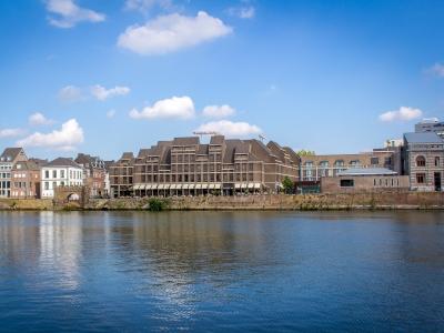 cazare la Crowne Plaza Maastricht