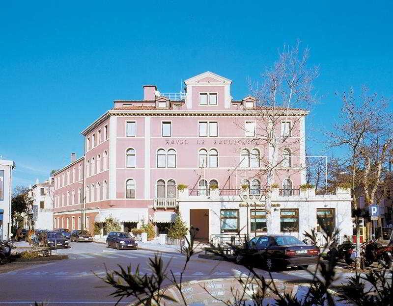 cazare la Hotel Le Boulevard