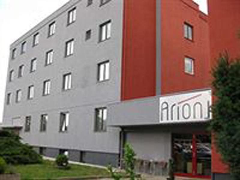 cazare la Arion Airport Hotel
