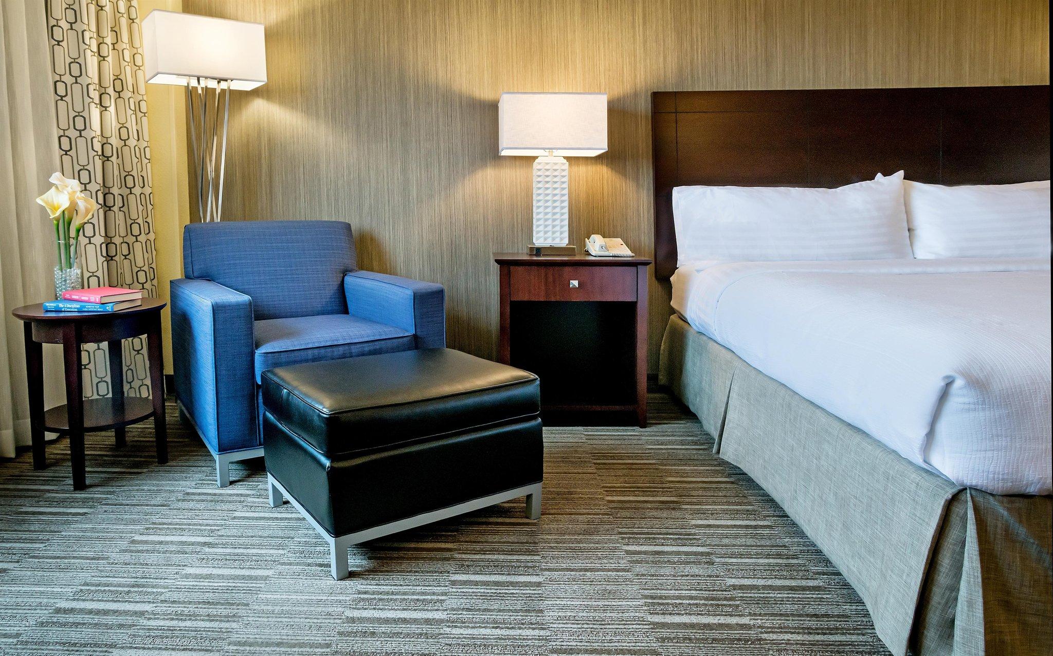 cazare la Nashville Airport Hotel