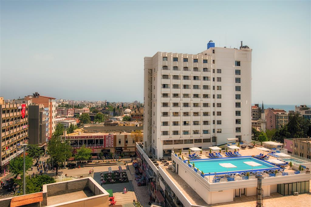 cazare la Best Western Plus Khan Hotel