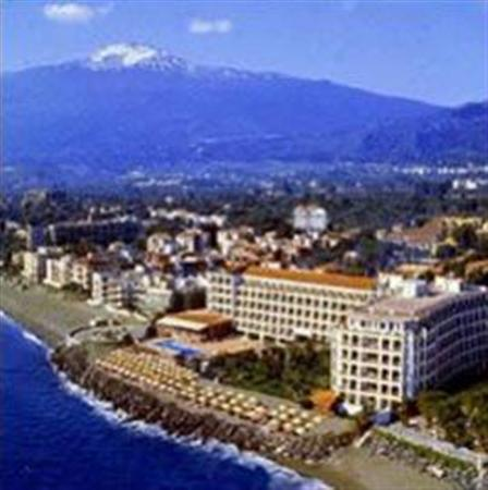 cazare la Hilton Giardini Naxos