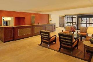 cazare la Aksarben Suites Trademark Collection By Wyndham