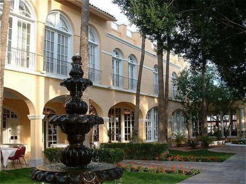 cazare la Crowne Plaza San Marcos Resort
