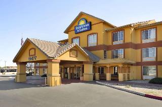 cazare la Days Inn & Suites By Wyndham Surprise