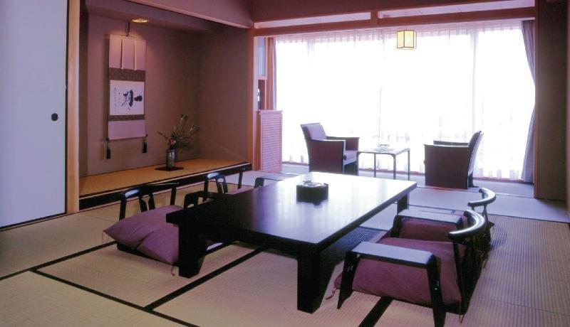 cazare la Hotel Shiragiku