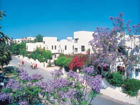 cazare la Paphos Gardens