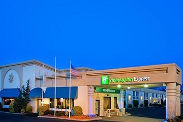 cazare la Holiday Inn Express Paramus