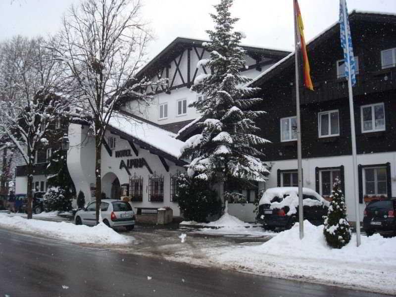 cazare la Treff Hotel Alpina