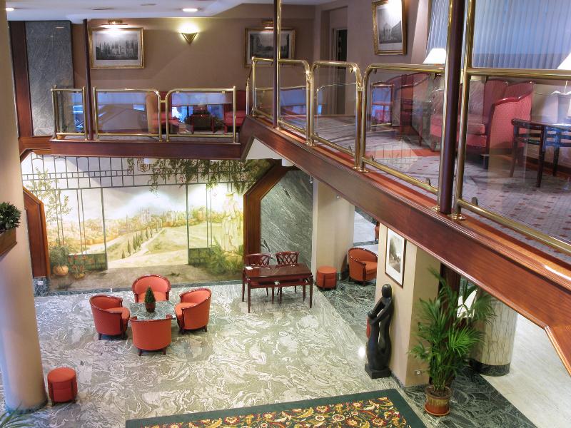 cazare la Bedford Hotel & Congress Centre