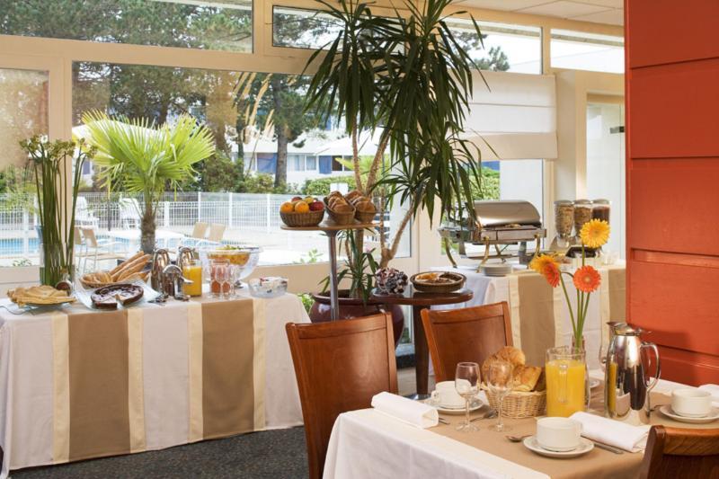 cazare la Hotel Escale Oceania Brest Aeroport