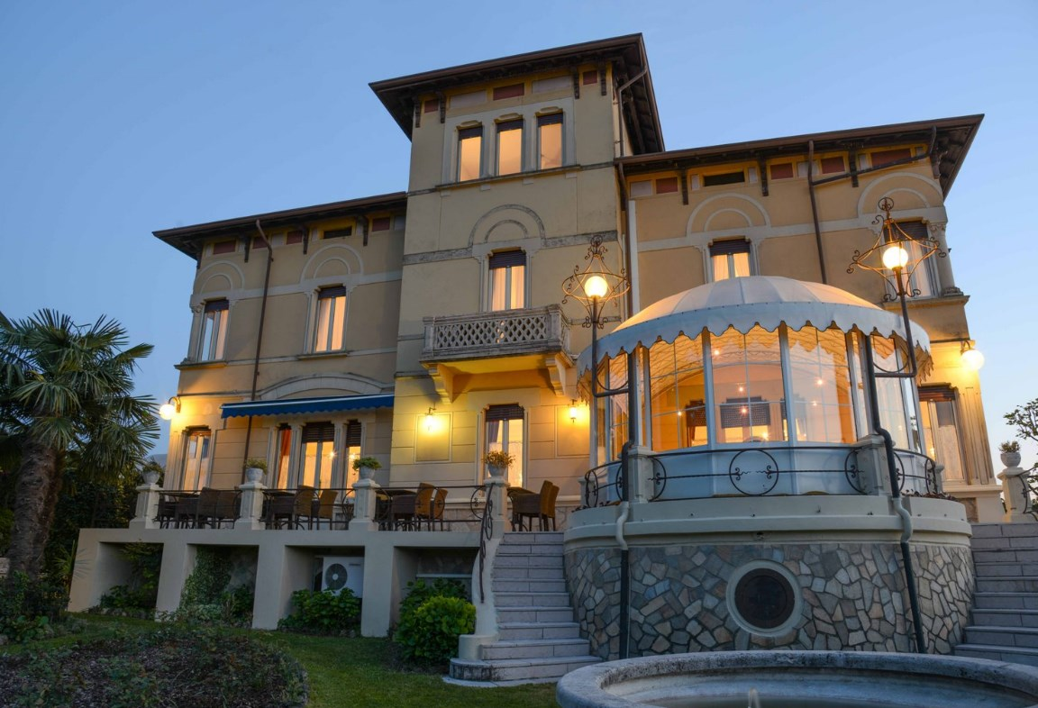 cazare la Hotel Villa Maria