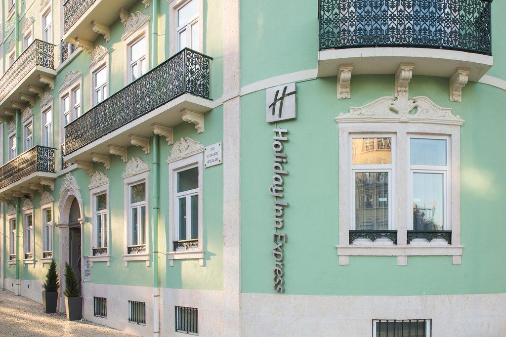 cazare la Holiday Inn Express Lisbon Air