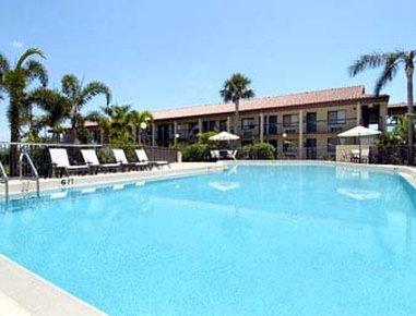 cazare la Super 8 Riviera Beach West Palm Beach