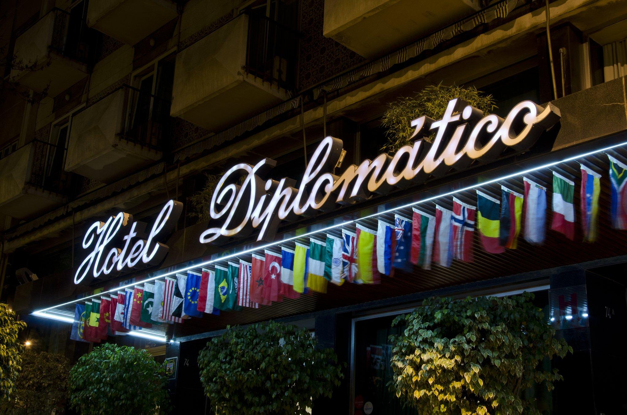 cazare la Vip Executive Diplomatico Hotel