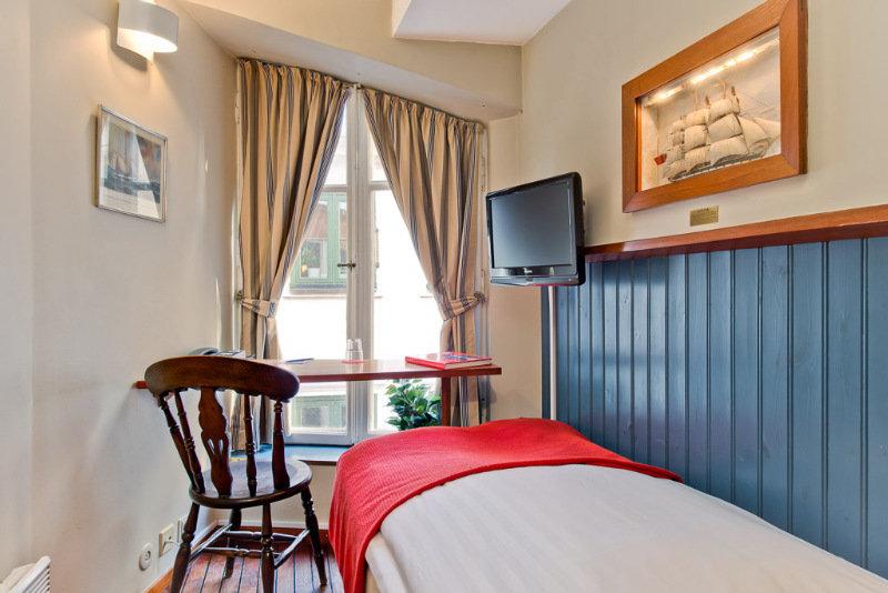 cazare la Lord Nelson Hotel