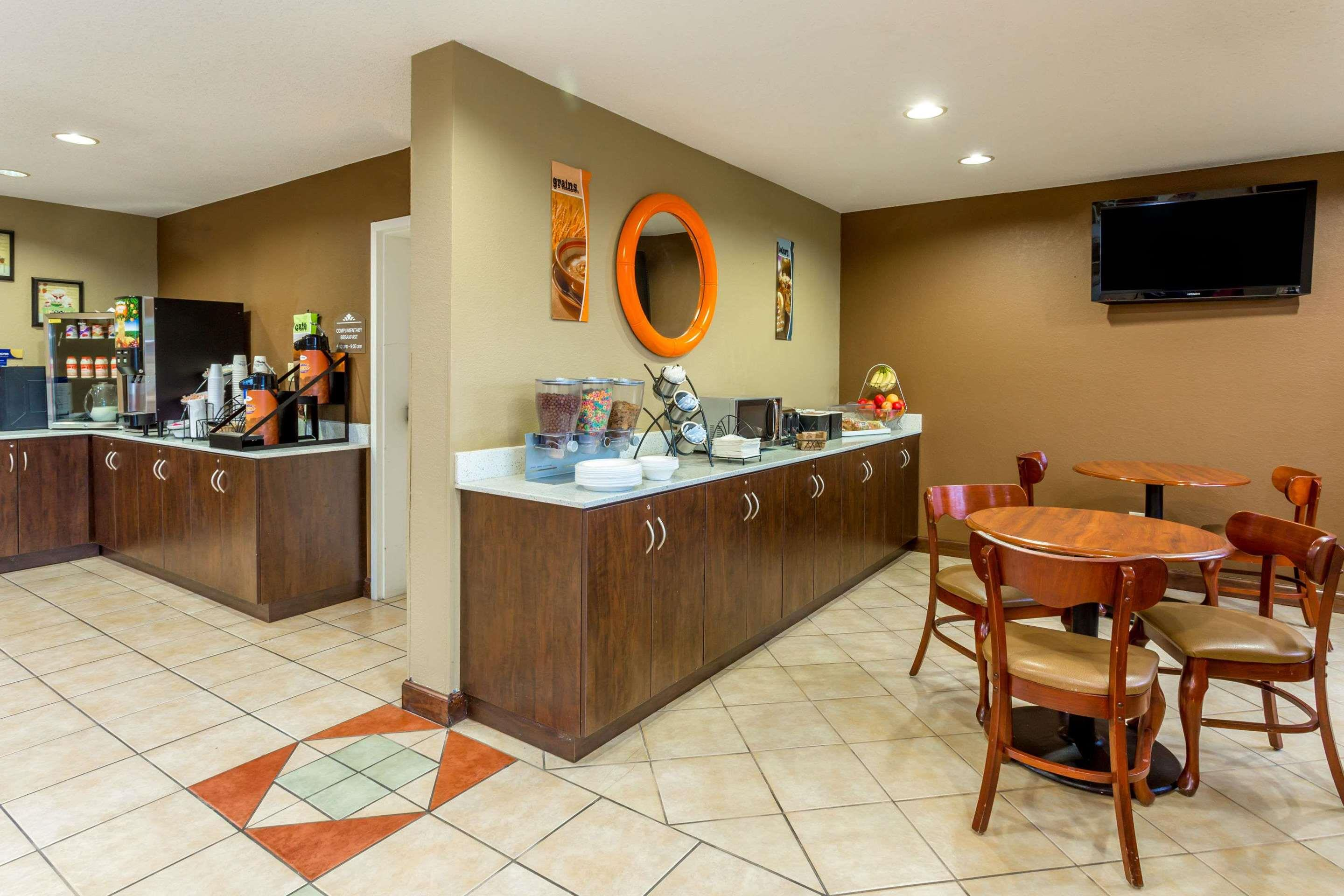 cazare la Microtel Inn & Suites By Wyndham Norcross