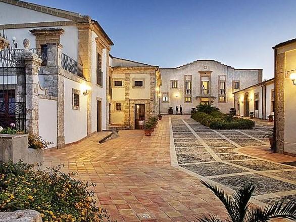 cazare la Relais Villa Favorita Noto