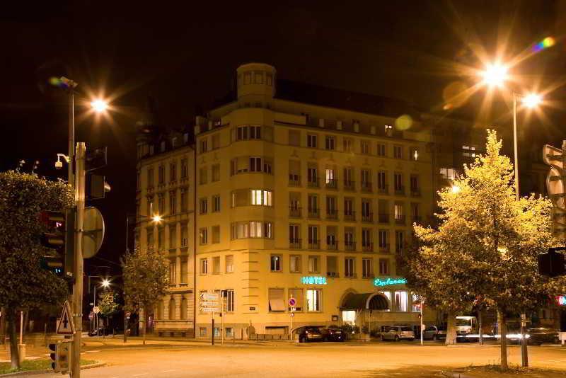 cazare la Esplanade Hotel