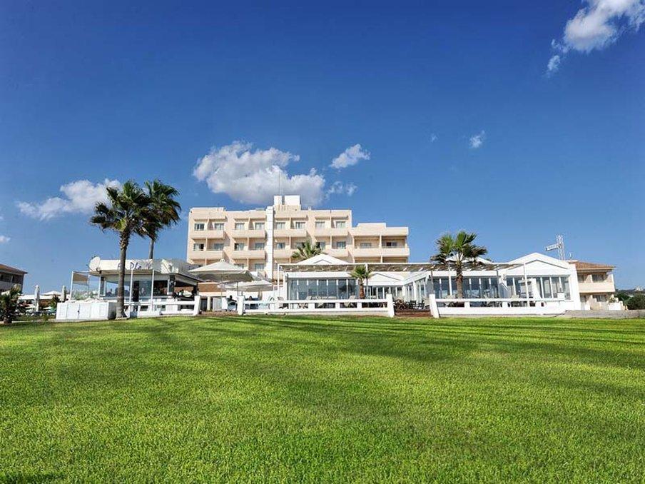 cazare la Pierre Anne Beach Hotel