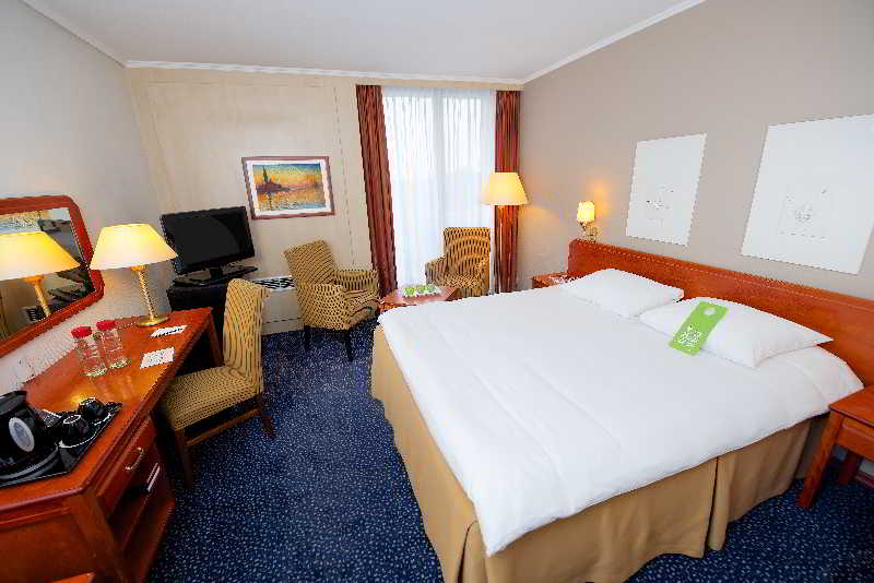 cazare la Van Der Valk Hotel Antwerpen