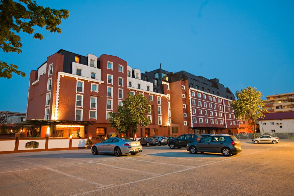 cazare la Ramada Hotel & Suites Bucharest North