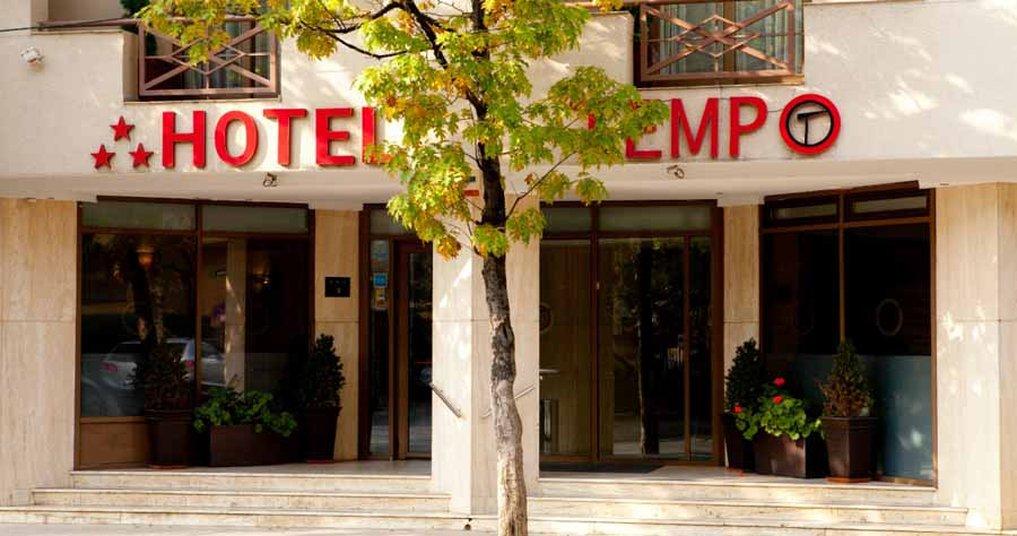 cazare la Hotel Duke Armeneasca