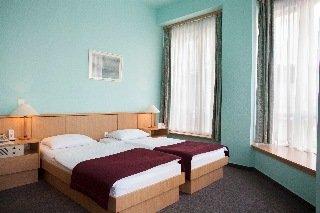 cazare la City Hotel Pilvax
