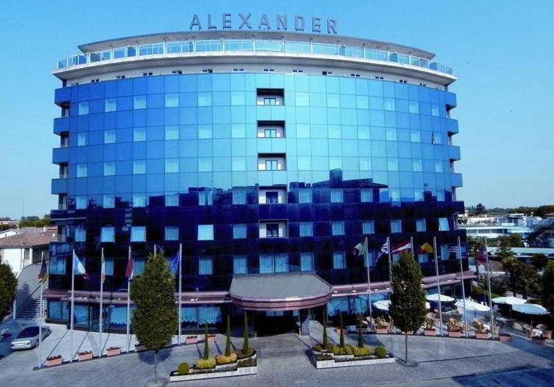 cazare la Hotel Alexander