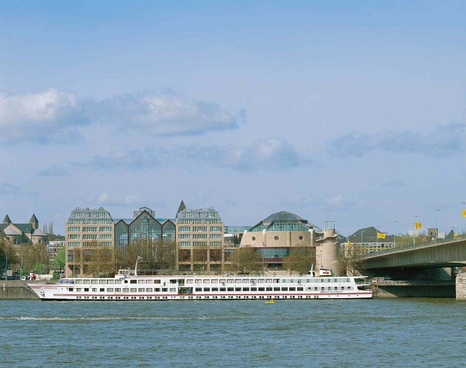 cazare la Maritim Hotel Koln
