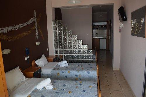 cazare la Hotel Zefyros