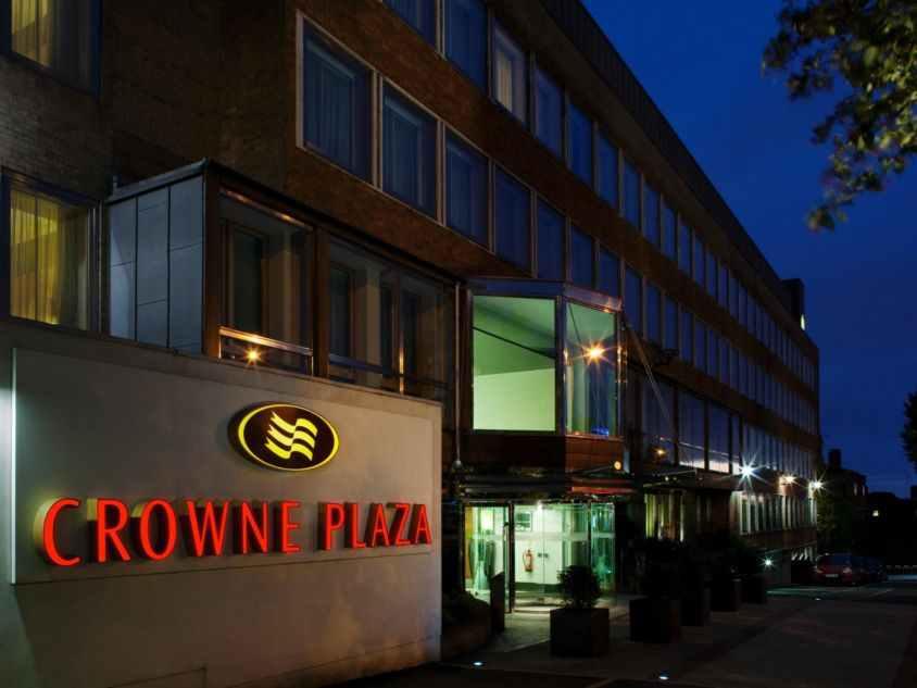 cazare la Crowne Plaza London - Ealing
