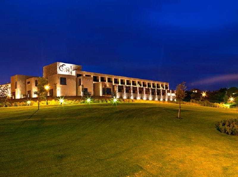 cazare la Castillo De Gorraiz Golf And Spa