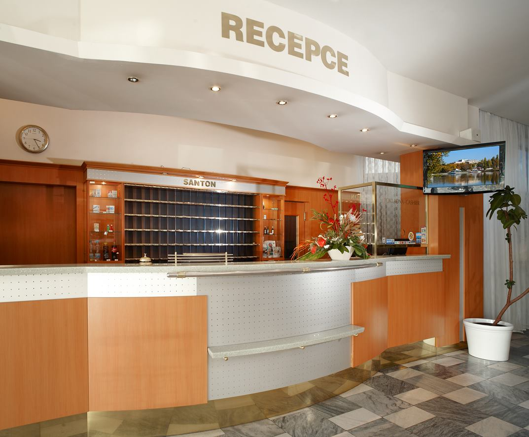 cazare la Orea Wellness Hotel Santon Currency 1425854