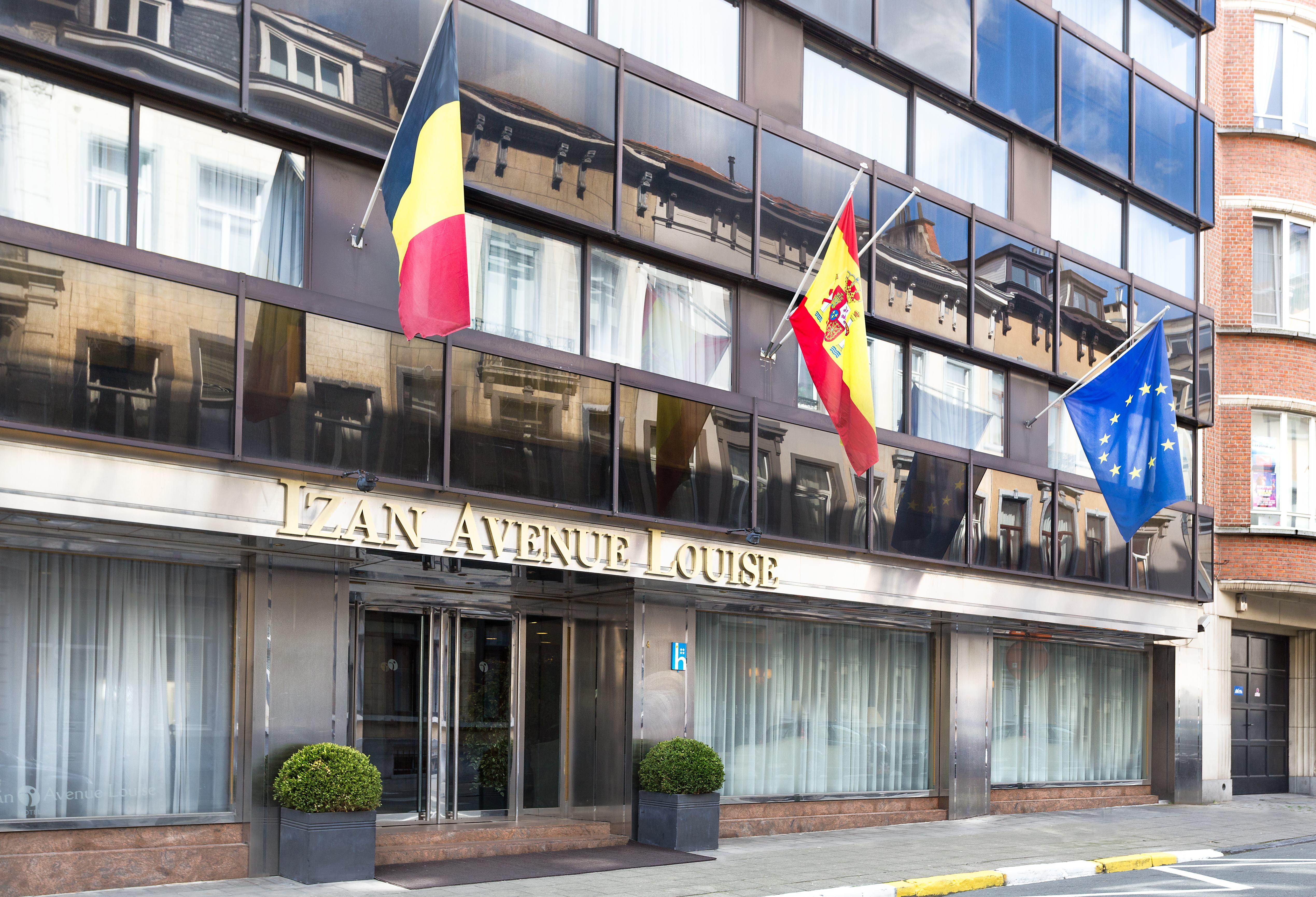 cazare la Izan Avenue Louise Hotel