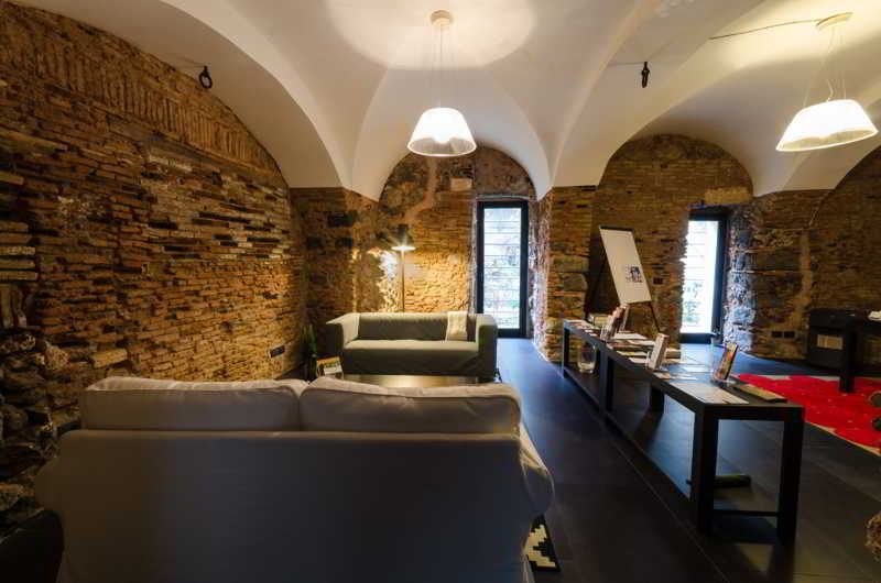 cazare la Habitat Home Luxury Apartment